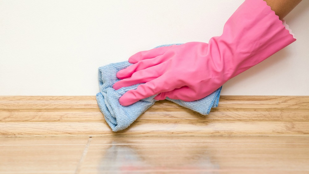 The ultimate guide to base board cleaning.